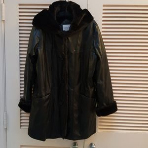 Vintage  jacket sz med hood faux fur trim dk brown